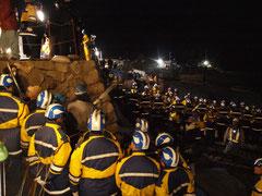 2月21日午前4時44分に撮影された、作業強行の様子 (撮影:東条雅之)