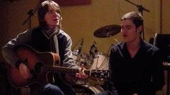 Christoph Jansen (l.) und Thomas Preuth geben am Freitag einen spannenden Abend im Outbaix und erfüllen dazu Musikwünsche der Gäste.
