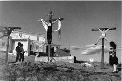 "Cristina Garcia Rodero, ""Jugando a la Pasión Rogordo"", 1983, s/w Photographie, 30 40 cm, gerahmt: 40 x 50 cm"