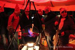 Fan-Club-Stand mit Zubereitung des traditionellen Zauertranks