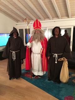 Der geborene Chlaus (Höck) mit seinen überzeugenden Schmutzlis (Fabio und Markus). Es fehlt: der Esel (...).