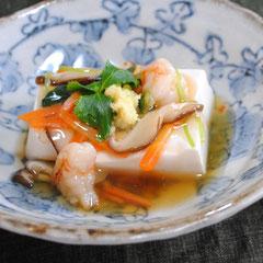 えびと野菜のあんかけ豆腐