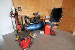 Montier- und Wuchtmaschine von SD-Engineering