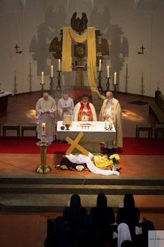 Sonntagsmesse in der Osterzeit (Fotos: Sandra Schumann)
