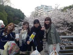桜満開!!思わず笑顔になっちゃいます♪