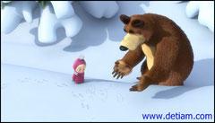 Медведь нарисовал, как мог, на снегу зайца.