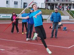 Laurenz Uhlemann wirft über 41 Meter