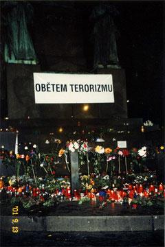 プラハ、バーツラフ広場「ニューヨークの犠牲者への慰霊の場」