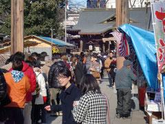 稲荷神社、混んでました