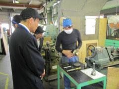 工場見学では、社員の方から一つ一つ親切・丁寧に説明していただいた。