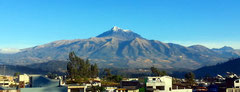 Der Cotacachi von Otavalo aus