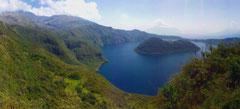 Die Laguna de Cuicocha inkl. dem Gipfel des Cotacachi