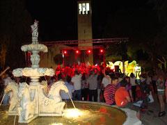 """Gran Baile en la Plaza Mayor de Mesas del Guadalora con motivo de la Feria y Fiestas Patronales de """"San Isidro Labrador"""". - Haz """"clic"""" en la imagen para ampliar."""