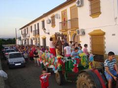 """Romería """"Virgen Reina"""" en su tradicional Carroza por las calles de Mesas del Guadalora. - (Foto de Archivo) - Haz """"clic"""" en la imagen para ampliar."""