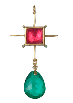 Fig. 4 Gold pendant set with cut and polished red and green pastes (glass). Length ca. 5.6cm. Courtesy: Museum of London.