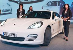 Les plus performants chez LR peuvent se faire le plaisir de conduire une Porsche, LR couvre la totalité des frais de leasing ou achat