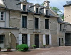 """""""la Vieille Maison"""" : maison de fondation de la communauté de la Vierge Fidèle, à Douvres-La-Délivrande"""