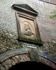 Brandwood Tunnel - detail, presumably Shakespeare, downloaded from flickr. Image by Pete Ashton reusable under Creative Commons Licence: Attribution-Noncommercial 2.0 Generic. Edited by WD. See Acknowledgements for a direct link to flickr.
