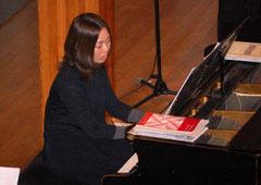 Am Klavier unsere unverzichtbare Stütze Ikumi Masubuchi