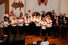 Der Chor singt das Winter-Medley