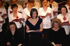 Die Solisten bei ihren Einsätzen (Orine Nozaki)...