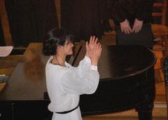 Die musikalische Leitung lag in den bewährten Händen von Saiko Yoshida-Mengk, die im Oratorium auch den Orgelpart übernahm