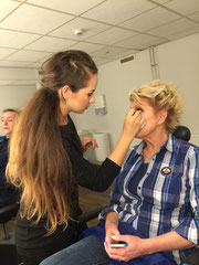 "Simone Kleinsma in de make-up voor ""Surprise Surprise"" show SBS6 2015"