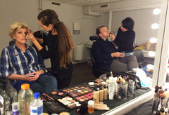 "Simone Kleinsma en Jon van Eerd in de make-up voor ""Surprise Surprise"" show SBS6"