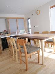 奈良・テーブル・椅子
