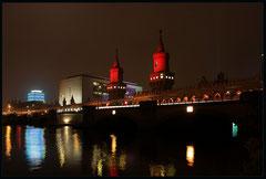 Most Oberbaum jak co roku tonacy w czerwieni