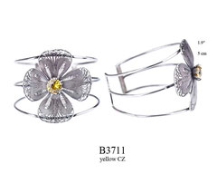 B3711: 225.00, OXI 3 BAND CUFF BRACELET W/ FILIGREE FLOWER DESIGN W/ A YELLOW CZ IN THE CENTER.