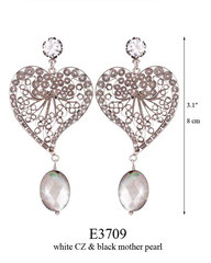 E3709: 120.00, OXI POST EARRING, WHITE CZ IN CUP, HART SHAPED FILIGREE WITH A BLACK MOTHER PEARL ON THE BOTTOM.