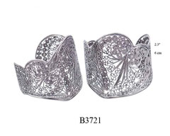 B3721: 325.00, OXI  CUFF BRACELET FILIGREE HEART DESIGN.