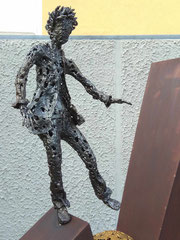 Balance between dreams and reality - Size (cm): 140x40x30 - metal sculpture