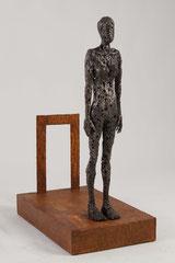 New horizon - Size (cm): 50x30x72 - metal sculpture