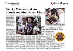 Kieler Nachrichten, 13.07.2012 - Starke Männer und ein Haus von fürstlichem Glanz - Sprottenhausen wird zum Promi-Magneten - Steuern und Kuchenpreise gesenkt