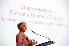 Dr. Quennet-Thielen referiert zu Frauen in der Forschung