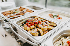 Hochzeitsfoto vom Buffet