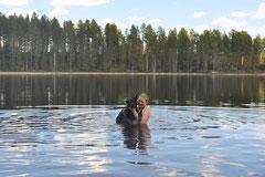 Meike hat  mit Icon das Schwimmen fleissig geübt!