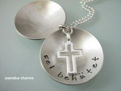 Medaillon (Gr. L) mit Kreuz innen (bitte Kreuz beim Bestellen mit angeben)