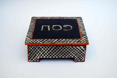 Pessachdose schwarz/rot  9x22x22, 390€