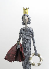 Skulptur mit Blattgold und Frosch - montiert auf geölten Sockel aus Eiche - Größe ca. 50 cm  - Titel: Der Frosch ist gerettet  -verkauft-