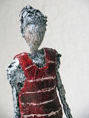 Figur aus Papiermache (Detail) - montiert auf Sockel aus geölter Eiche - Größe ca. 37,5 cm  -  Titel:  Baden gehen  -verkauft-