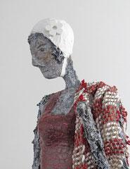Große Figur aus Papiermache (Detail) - montiert auf Sockel aus geölter Eiche - Größe ca. 96 cm  -  Titel: Schwimmen gehen -verkauft-