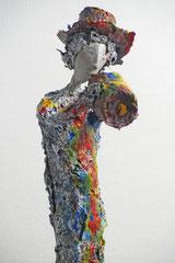 Skulptur aus Pappmache - montiert auf geölten Sockel aus Eiche - Größe ca. 38  cm  - Titel: Vincent -verkauft-