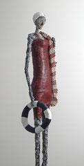 Große Figur aus Papiermache - montiert auf Sockel aus geölter Eiche - Größe ca. 114 cm  -  Titel: Am Strand