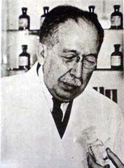 Dr. Luis AGOTE - Argentina.