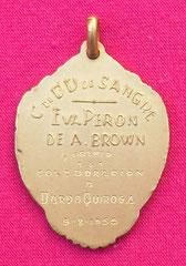 8. Dorso Medalla Honorífica del Centro de Dadores Voluntarios de Sangre Eva Perón de Almirante Brown - Premio a la colaboración a Dardo Quiroga, 9-8-1955. Gentileza Dr. Carlos Di Bartolo.