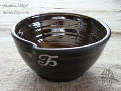 15-10.  Глиняная миска.
