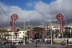 Funchal, Zugang vom Yachthafen zur Stadt, Weihnachtsdekoration
